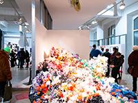 """Ausstellungsobjekt """"Korallenriff"""" im Rahmen von Making Crisis Visible (Foto: Marina Hoppmann)"""