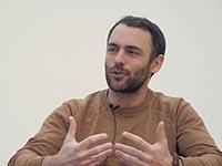 Antonio Arcudi im Gespräch mit Karin Hammer (Foto: PRIF)