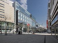 Menschenleer: Die Frankfurter Zeil - Foto: photoheuristic.info/Flickr | CC BY 2.0 | bit.ly/3aCHjLR