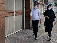 Passanten mit Gesichtsmasken in Iran (Foto: Wikimedia Commons, CC BY 4.0)