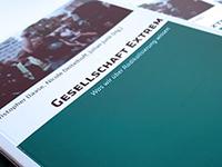 """Sammelband """"Gesellschaft Extrem"""" (Foto: HSFK)"""